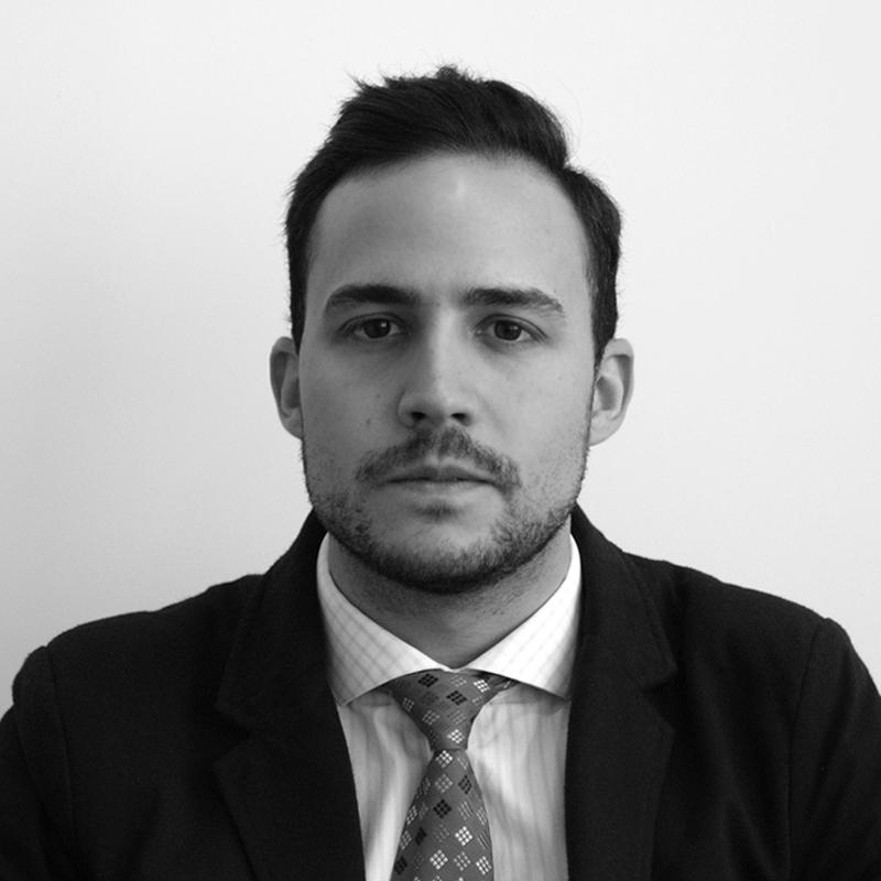 Foto-Perfil_Ivan-Corral_Consultor-Financiero_GDC-Patrimonio-Gestion-Planificacion-Financiera
